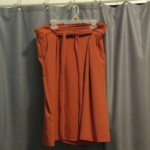 Women's Skirt w/Pockets!!